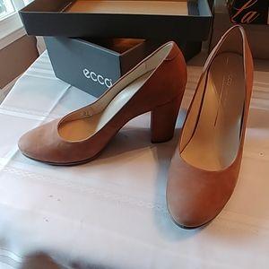 Tan suede high heel shoes